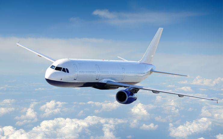 Los billetes de avión subieron un 3% en julio, pese a la bajada de las tasas