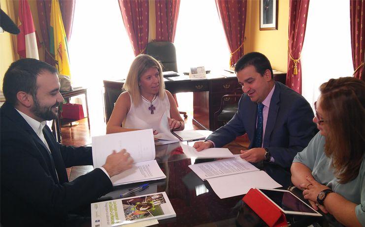 Inmaculada Jiménez pide al consejero de Agricultura la potenciación del Iriaf