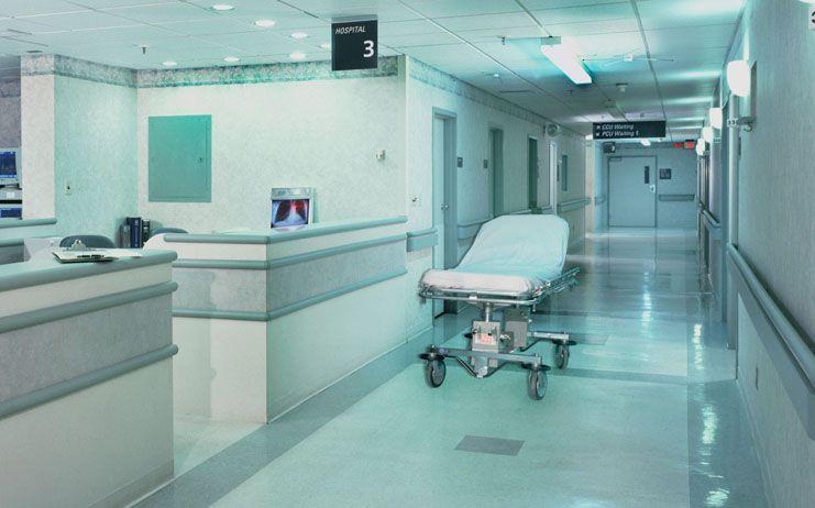 Cospedal espera que el Gobierno regional no quite a los ciudadanos el derecho que ahora tienen de ser atendidos en el hospital más cercano