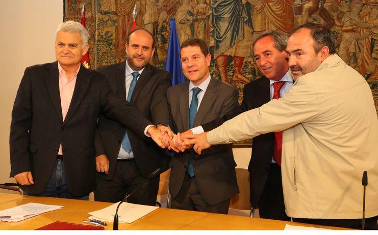 """García-Page: """"El objetivo de este pacto es acelerar la creación de empleo y que la recuperación económica lo sea también social"""""""