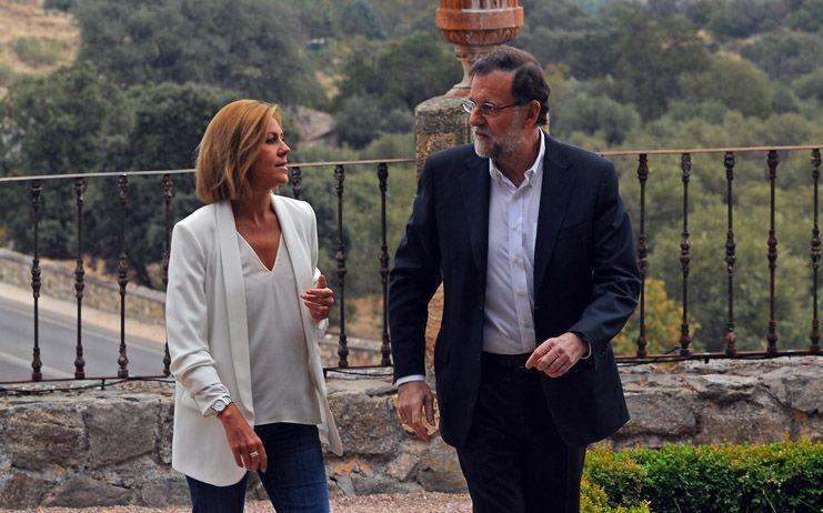 Rajoy agradece a Cospedal, el PP y a sus ministros su trabajo: