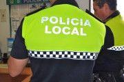 Dos policías heridos en Fuensalida mientras intentaban detener a un hombre que había quemado un turismo