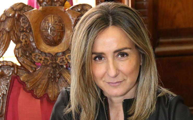 Milagros Tolón felicita a Adolfo Muñoz, presidente de Saborea España, y avanza que 'Euro-Toques 2020' tendrá lugar en Toledo