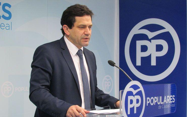 """Valverde: """"Las denuncias de sindicatos y pacientes ante el caos sanitario la incapacidad de gestión de Page"""""""
