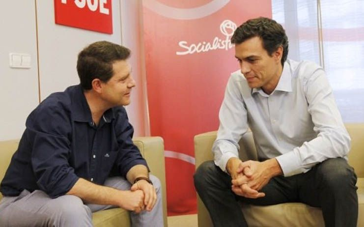 Sánchez confirma a los 'barones' una Ejecutiva de tamaño similar a la anterior rondando los 45 miembros