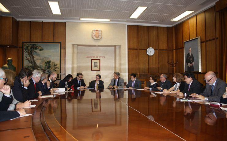 El Gobierno regional y Universidad de Alcalá apuestan por más profesores y por la generación de conocimiento en Ciencias de la Salud