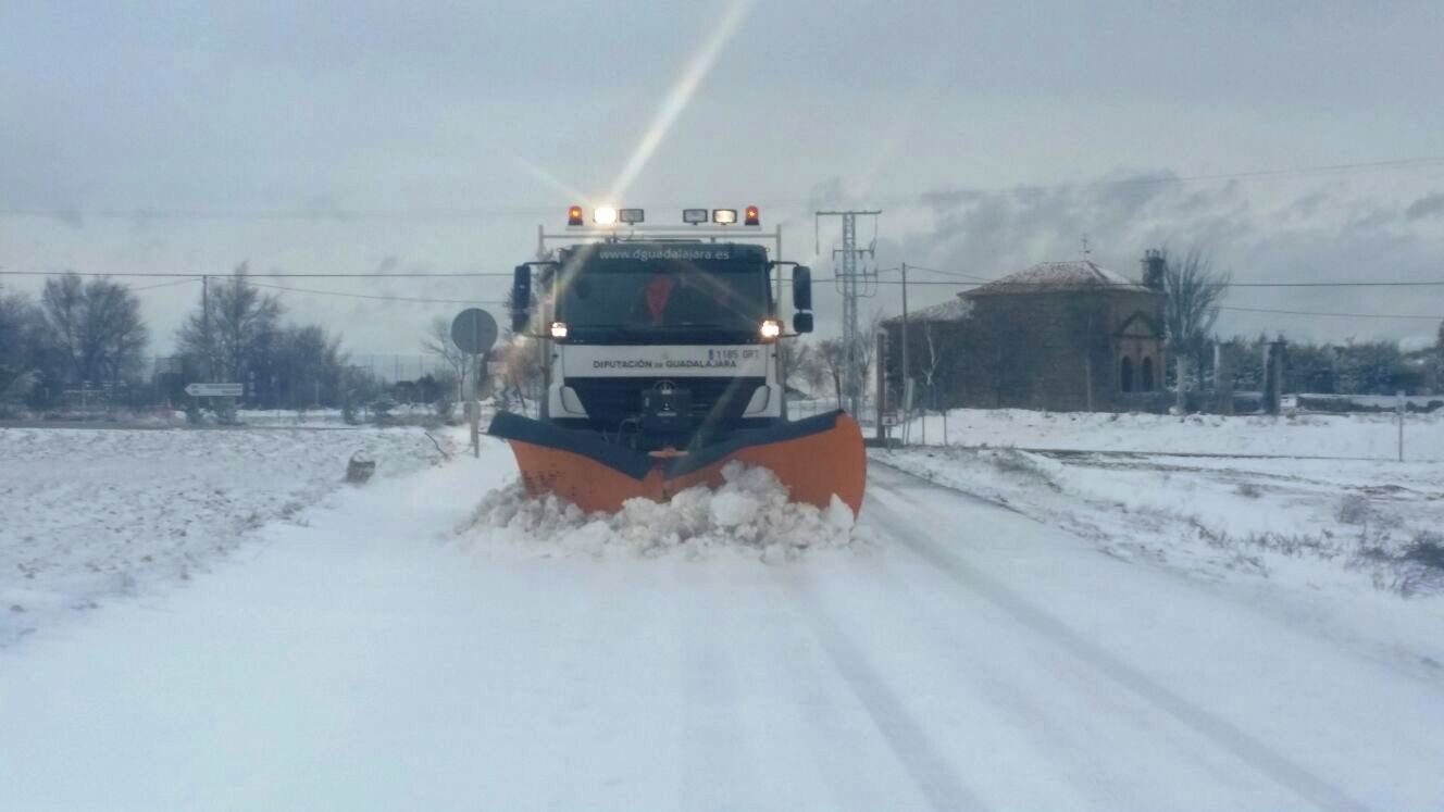 Cinco carreteras de Cuenca y Guadalajara presentan incidencias por nieve y hielo