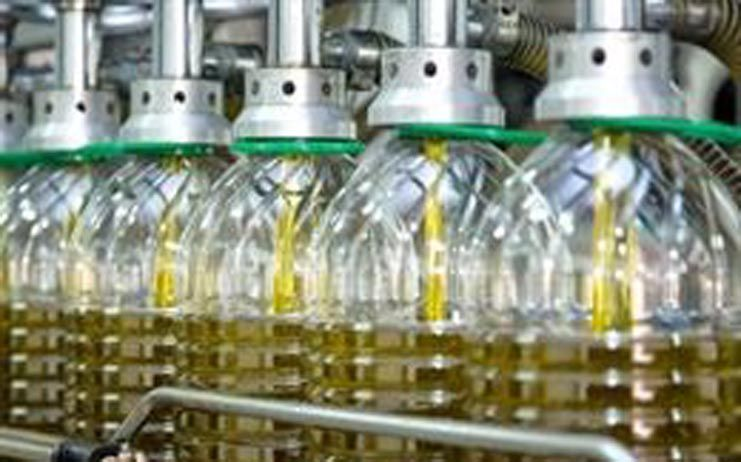 La falta de transparencia en el sector olivarero hunde los precios del aceite