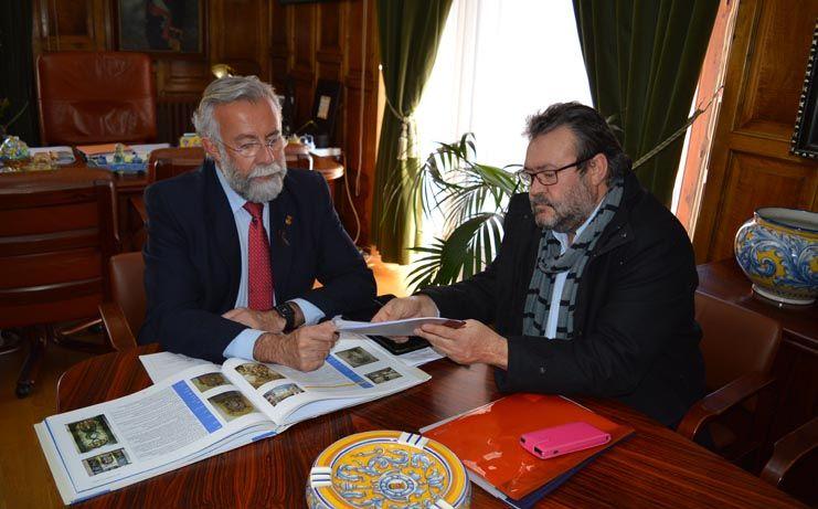 Jaime Ramos comunica a los grupos políticos que Ruiz de Luna ya fue nombrado hijo adoptivo en 1920