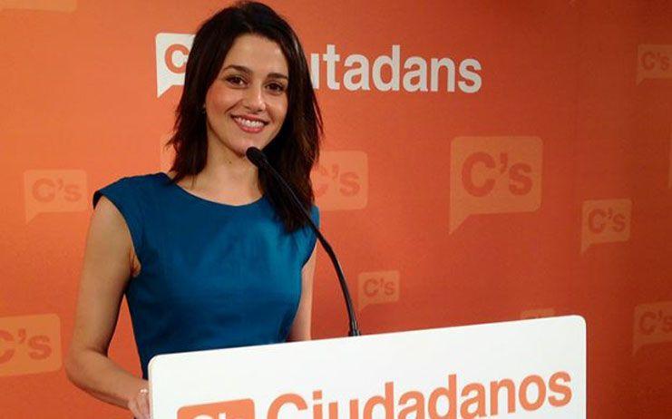 Arrimadas pide a Sánchez que proteja a los catalanes no independentistas antes que dialogar con Torra