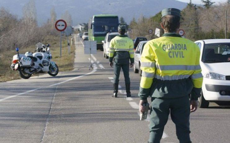 La Guardia Civil detiene a un conductor  de un furgón que superó en más de 9 veces el límite de alcoholemia