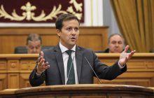 Velázquez denuncia la hipocresía de Page por decir que iba a reducir las derivaciones a la sanidad privada y destinar 145 millones de euros en 2018