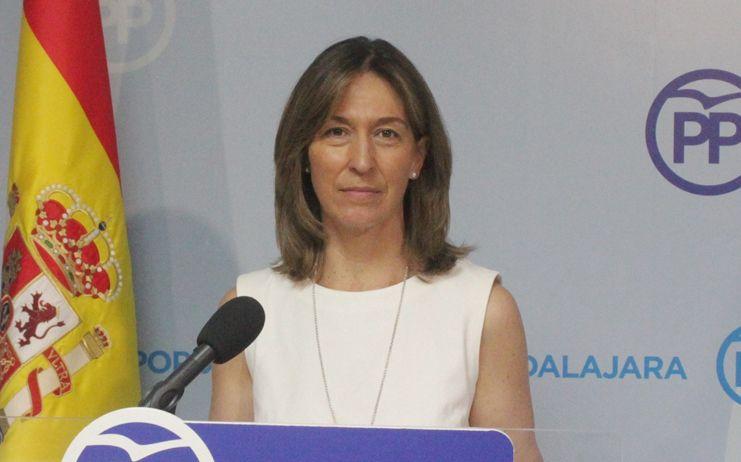 """Ana Guarinos denuncia que Page """"es una mentira continua"""" y los engaños a los empleados públicos """"son otra prueba más de su falta de palabra"""""""