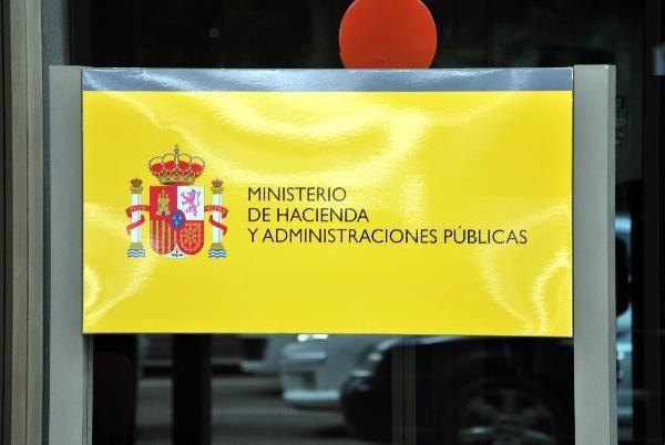 El Gobierno hace un nuevo llamamiento a PSOE para acordar con PP la reforma del modelo de financiación autonómica