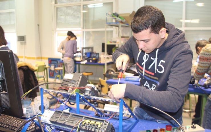 El Gobierno regional facilita la realización de estancias formativas en empresas al profesorado de FP y Artes Plásticas y Diseño