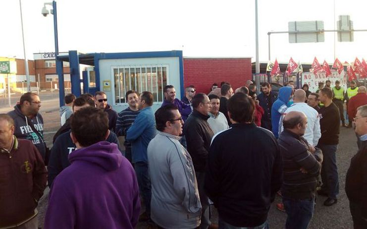 Trabajadores de Amaranto Eurogroup, empresa que trabaja para la Consejería de Fomento, en huelga desde este lunes