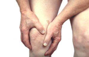 La Gerencia de Atención Integrada de Albacete realiza el primer implante de un nuevo dispositivo para el tratamiento del dolor