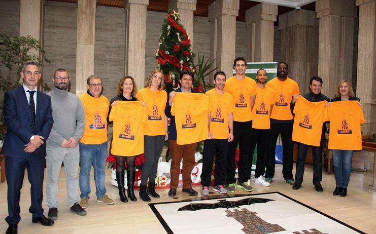 Arcos Albacete Basket y Soraya Pérez han sido escogidos para presentar la camiseta de la 'San Silvestre' 2016 por sus méritos deportivos