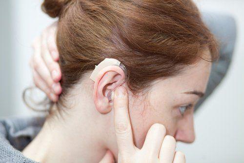 El Hospital La Mancha Centro de Alcázar alcanza los 100 implantes cocleares para sorderas neurosensoriales y bilaterales