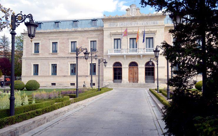 Diputación y Asociación Cultural Eslabón mantienen su apuesta  por la combinación de salud, deporte y patrimonio