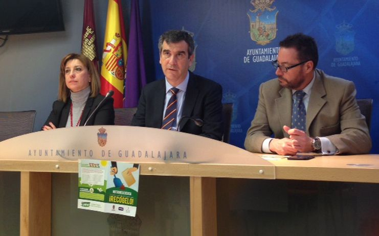 Nueva campaña para recordar a los propietarios de perros su obligación de recoger los excrementos de la vía pública en Guadalajara