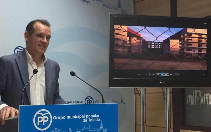 """López Gamarra: """"Mientras el Virgen de la Salud está colapsado Page es incapaz de poner un ladrillo en el nuevo hospital"""""""