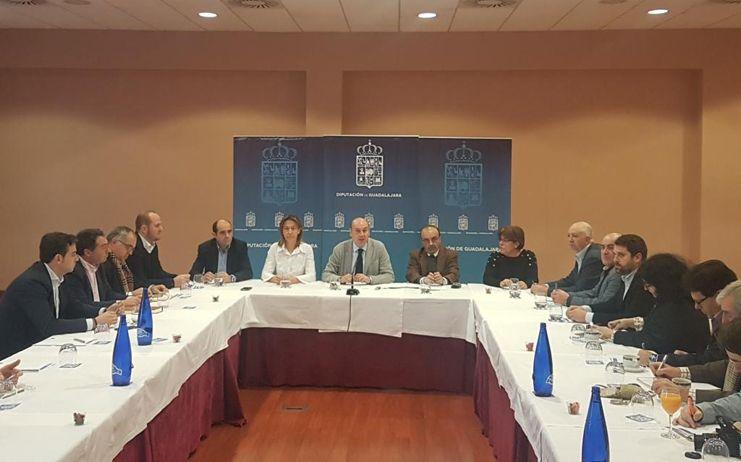 La apuesta por la inversión, la ruta del viaje a La Alcarria y el nuevo Servicio Provincial de Residuos marcan el año 2016