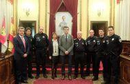 El alcalde preside el nombramiento de dos nuevos subinspectores y de dos oficiales de la Policía Local