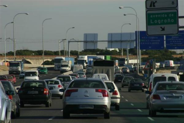 La DGT prevé 5,1 millones de viajes largos por carretera en el puente del Pilar