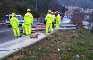 Policía Local y Bomberos realizan numerosas intervenciones por las incidencias que las fuertes rachas de viento y la lluvia han ocasionado en la capital conquense