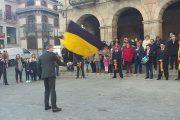 Álvaro Gutiérrez participa en el tradicional baile de la bandera de la localidad de Almorox