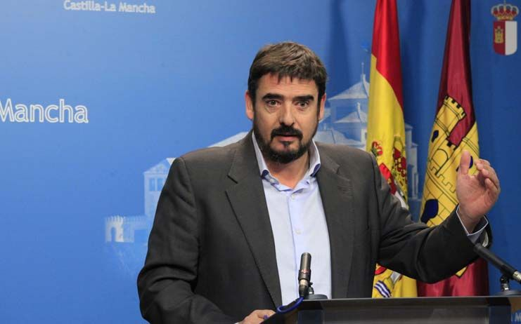 """Esteban: """"Mientras que a C-LM le va bien con García-Page, al PP regional le va mal"""""""