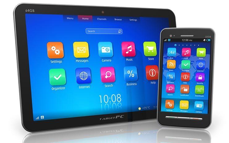 Estudiantes, padres y profesores apuestan por la regulación del uso del móvil en las aulas frente a su prohibición