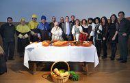 El Gobierno regional ensalza la presencia del aceite, el pan y el vino  como ingredientes principales de la Dieta Mediterránea en la obra de Cervantes