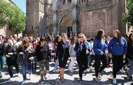 La alcaldesa participa en el flashmob del IES Juanelo Turriano para la sensibilización nacional sobre la música