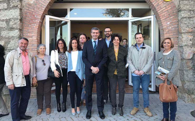 Escalona abre su oficina de turismo clmpress for Oficina turismo toledo