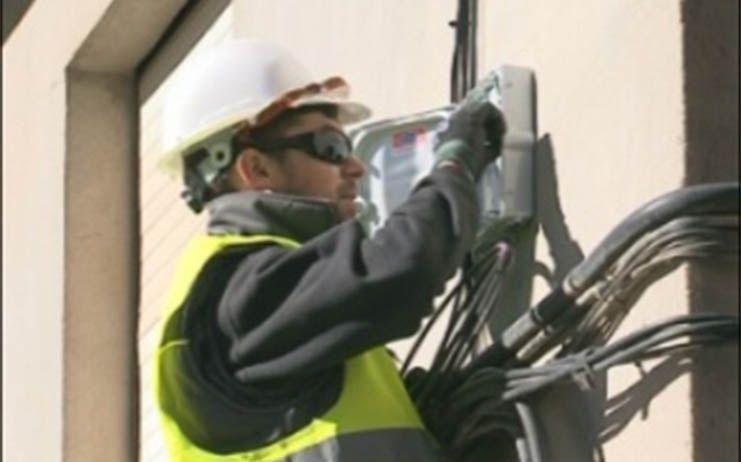 El Gobierno de Castilla-La Mancha extenderá la fibra óptica a otras 120 localidades y 44 polígonos más de aquí a final de legislatura