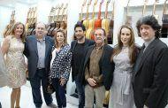 Rosa González de la Aleja asiste a la inauguración del establecimiento 'Tu Guitarrería' en la ciudad