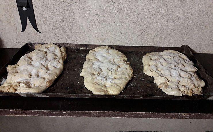 En Almiruete hubo pan y bollos para quienes se acercaron a celebrar el Día de la Colación