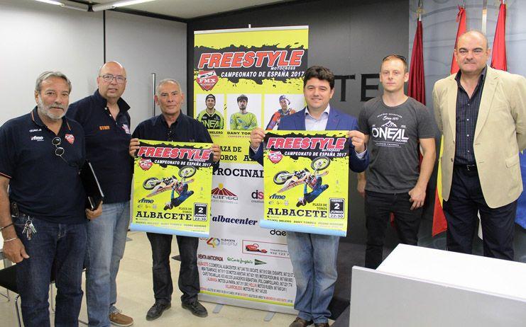 Francisco Navarro asegura que el Campeonato de España de Freestyle traerá a los mejores pilotos a la Plaza de Toros de Albacete