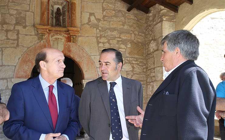 José Julián Gregorio, delegado de Gobierno en CLM visita el municipio de Tamajón