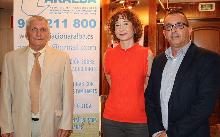 Mª Ángeles Martínez felicita a la Asociación ARALBA por la labor ejemplar que realiza en Albacete