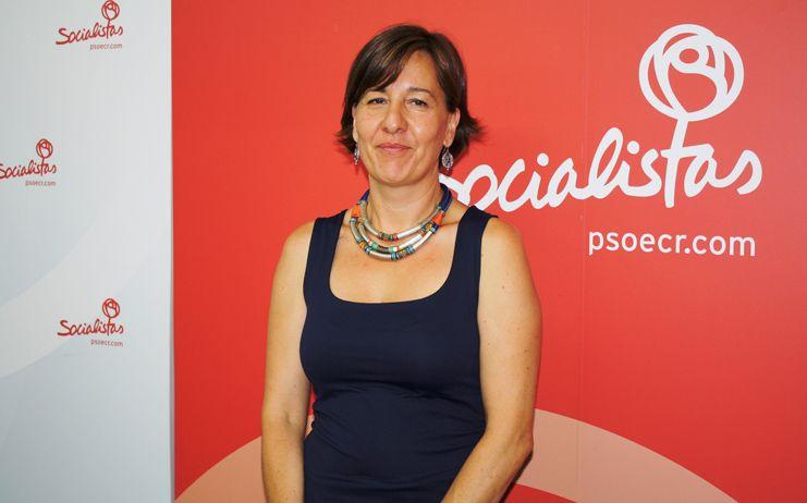 """Blanca Fernández: """"Desde que gobierna García-Page hay 2.200 empleados públicos más en la Junta, eso es apostar por la recuperación de sus derechos"""""""