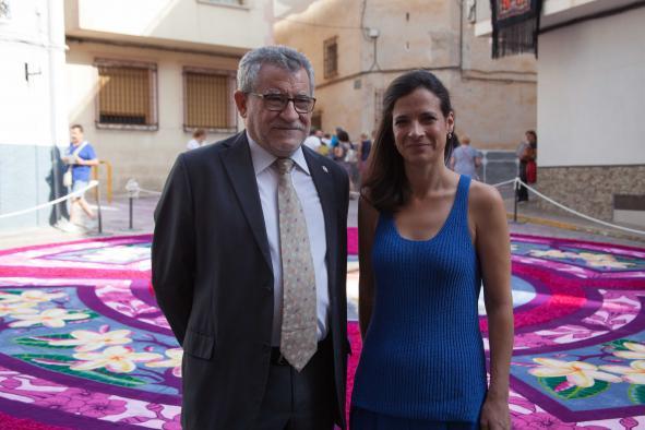 """Felpeto considera que el Corpus de Elche de la Sierra es una festividad """"de toda la región"""" y un estímulo para el desarrollo turístico de la zona"""