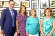 Visita de Prieto y Lozano a la I Exposición de Imágenes para el Recuerdo de Pineda de Gigüela