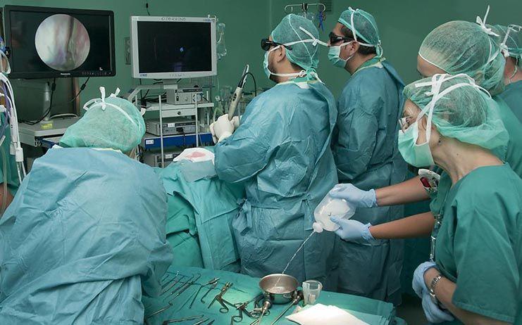 El trabajo en red evitará que un centenar de menores de Villarrobledo tengan que desplazarse cada año para someterse a una cirugía