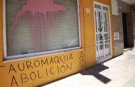 Aparecen pintadas antitaurinas en la sede del PSOE en Ciudad Real capital