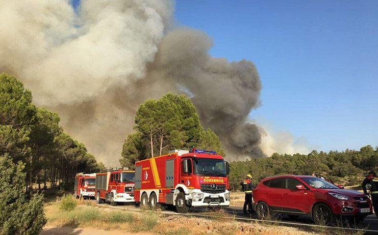Declarado un incendio en Sacedón en el que participan 11 medios, 4 de ellos aéreos, y 43 personas