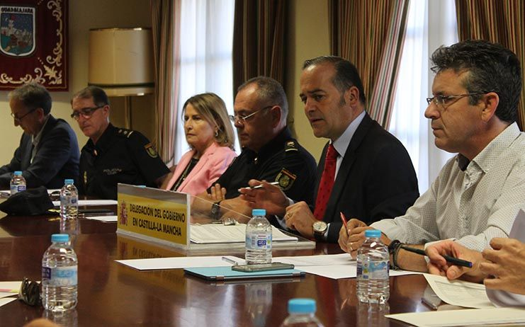 El delegado del Gobierno preside la Comisión Regional de Flujos Migratorios