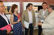 Manuel Serrano invita a los albaceteños a disfrutar de la programación que tendrá lugar en el Teatro Circo con motivo de su 130 aniversario